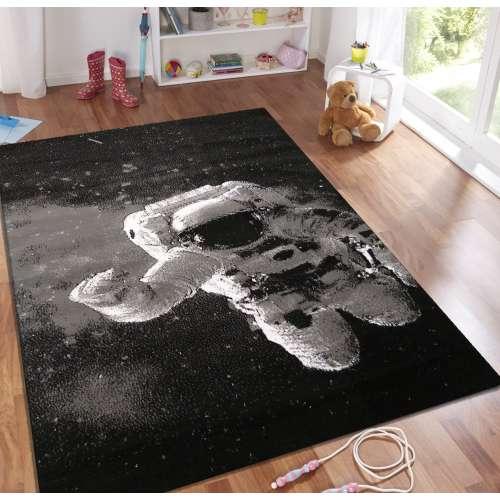 Dywan dziecięcy Soho 24 - astronauta - czarny